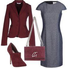Bordeaux in prima fila in questo outfit; lo troviamo nella giacca, negli stivaletti con tacco a spillo e nella borsa a tracolla, Questo colore così caldo si accompagna al rigoroso grigio del vestito tubino a mezza manica.