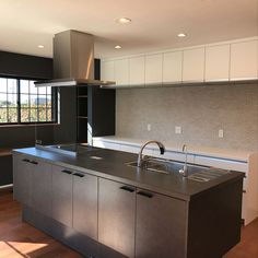 Kitchen/リシェルSIのインテリア実例 - 2018-01-24 04:04:29 | RoomClip (ルームクリップ) Kitchen Dining, Kitchen Decor, Natural Interior, Interior Design Kitchen, Saori, Coffee Shop, New Homes, Minimalist, Modern