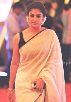 41 Ideas for how to wear makeup lipsticks Indian Dresses, Indian Outfits, Nayanthara Hairstyle, Kajal Agarwal Saree, Saree Jacket Designs, How To Wear Makeup, Kerala Saree, Simple Sarees, Elegant Saree