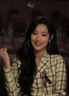Korean Women, South Korean Girls, Korean Girl Groups, Korean Actresses, Korean Actors, K Pop, April Kpop, Girl Actors, Hair Upstyles