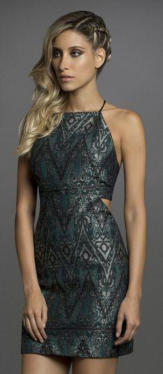 Looks com Vestidos Outono Inverno 2015 - Lez a Lez Party Fashion, Girl Fashion, Fashion Looks, Short Dresses, Prom Dresses, Formal Dresses, Dress Outfits, Fashion Dresses, Smart Outfit