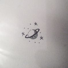 I tattoo cute little things like this for $100  I'll be in Melbourne from tomorrow! Decided to fly down instead of driving because who wouldn't prefer a 1hr flight to a 10hr drive!? I have some small spaces dotted around  for tattoos whilst I'm there so send me an email to claire@claireverywhere.com for bookings and appointment times ✌️