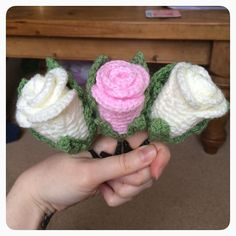 Today's #ldjcrochethookup is #crochetflowers - these are the boys' buttonholes…