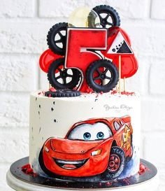 Funny Birthday Cakes, Homemade Birthday Cakes, First Birthday Cakes, Birthday Themes For Boys, Cars Birthday Parties, Lightning Mcqueen Cake, Cake Designs For Kids, Hot Wheels Party, Cake Decorating Techniques