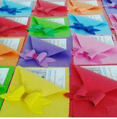 más y más manualidades: Practicos folders o carpetas usando foamy