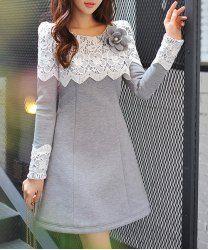 Sweet Long Sleeve Scoop Neck Lace Spliced Flower Pattern Thicken Dress + Brooch For Women - LIGHT GRAY M