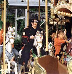 Michael Jackson At Phantasialand near Bruehl Germany 1997 ~ MJLyrics Michael Jackson Neverland, King Of My Heart, My King, Michael Jackson Fotos, Neverland Ranch, I Call Your Name, He Is My Everything, Jackson 5, Jackson Family