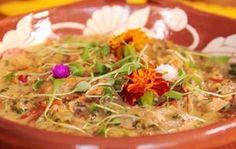 A chef Tati Lund ensina receita que utiliza ingredientes picantes como a pimenta caiena e o gengibre