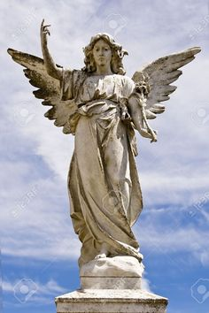 20490039-Angel-statue-on-a-pedestal-Stock-Photo-angels.jpg (866×1300)