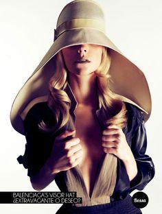 Balenciaga's Visor hat ¿Extravagante o deseo