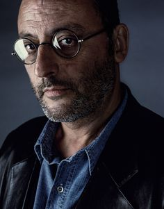 Actors by Piermarco Menini, via Behance Portrait Poses, Portrait Photography, Work In French, The Professional Movie, Actor Quotes, Jean Reno, Black And White Portraits, Five Star, Hollywood Actor
