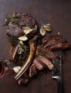 Butter Basted Rib Eye Steaks - Food & Wine This sensational rib eye couldn't be simpler; the meat is basted with butter, garlic and herbs while it cooks in a skillet, making it especially luscious. Steak Recipes, Wine Recipes, Cooking Recipes, Galloway, Steak Dishes, Steak Plates, Beef Steak, Roast Beef, Pork