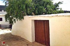 Tapia en Paterna del Río Garage Doors, Outdoor Decor, Love, Home Decor, Vegetables Garden, Vegetable Gardening, Entryway, Amor, Decoration Home