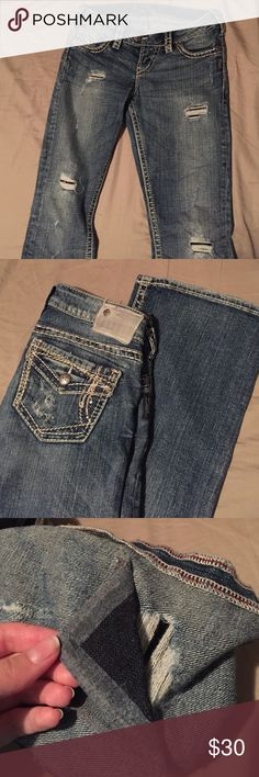 Silver Jeans Co. Tuesday Baby Boot Silver Jeans Tuesday Baby Boot jeans. Size 26x31. Denim backing on left knee is loose but could easily be repaired with bonding tape. Silver Jeans Jeans Boot Cut