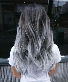Short Dyed Hair, Dyed Hair Blue, Dyed Blonde Hair, Hair Color Pink, Cool Hair Color, Hair Colors, Gray Color, Gray Hair Ombre, Pastel Colors