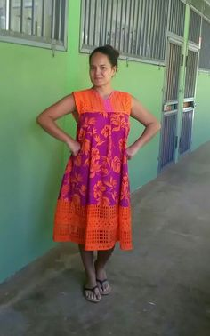 Different Dresses, Simple Dresses, Summer Dresses, African Fashion, Kids Fashion, Fashion Design, Samoan Dress, Hawaiian Muumuu, Hawaiian Woman