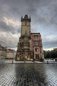 Praha: Castle on a Cloud, Prague Old Town Square