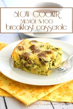 Slow Cooker Sausage & Egg Breakfast Casserole - This low carb slow cooker breakfast casserole will make your mornings all the brighter. Packed with broccoli and breakfast sausage for a healthy start to your day. Breakfast Egg Casserole, Slow Cooker Breakfast, Breakfast Desayunos, Sausage Breakfast, Breakfast Dishes, Breakfast Recipes, Sausage Casserole, Low Carb Slow Cooker, Slow Cooker Recipes