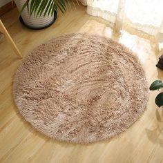 Fuzzy Circle Rug #CircleRugs