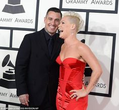 P!nk & Carey at the 2014 Grammy's.  They are to cute!