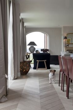 Oak mdern herringbone parquet flooring #parquet #herringbone #chevron
