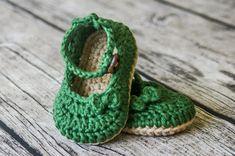 Baby Girl Sandals, Crochet Baby Sandals, Crochet Baby Boots, Crochet For Boys, Baby Girl Shoes, Baby Booties, Boy Crochet Patterns, Baby Patterns, Knit Shoes