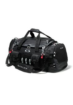 Oakley - Bath Tub Duffel - Black - A large duffel, born from the legacy Kitchen Sink, that is built to withstand travel's most demanding elements. Duffel Bag, Backpack Bags, Mochila Oakley, Oakley Bag, Oakley Backpack, Oakley Store, Ray Ban Sunglasses, Wooden Sunglasses, Sunglasses Outlet