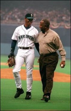 Ken Griffey Junior and home run king Hank Aaron after Aaron threw out the ceremonial first pitch. Mariners.