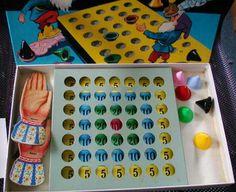 Altes Spielzeug - Hütchen Spiel