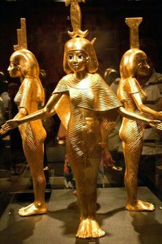 The four protective goddesses of tomb Tutankhamun: Neith, Isis, Nephthys, Selket Ancient Egyptian Artifacts, Ancient Egypt Art, Ancient Aliens, Ancient History, Art History, Gizeh, Avan Jogia, Egyptian Goddess, Ancient Mysteries