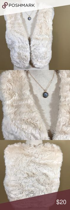 """Faux Fur Cream Vest Great condition  very soft  length is 19""""  across laying flat is about 18""""  no flaws Forever 21 Jackets & Coats Vests"""