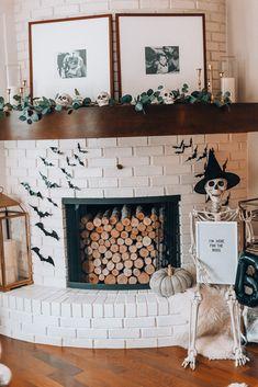 Halloween Banner, Halloween Home Decor, Halloween Boo, Family Halloween, Diy Halloween Decorations, Halloween House, Fall Home Decor, Autumn Home, Holidays Halloween