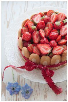 French cake charlotte aux fraises