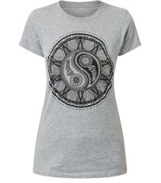 """Throw this grey Ying Yang T-shirt on with leather trousers and biker boots - for effortless style at its best.- Simple short sleeves- Slim fit- Classic crew neckline- Printed front- Model is 5'8""""/176cm and wears UK 10/EU 38/US 6"""