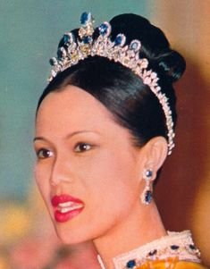 Queen Sirikit Jewels   Queen Sirikit's Modern Diamond Tiara/ Necklace