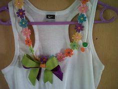 Diseño de blusas decoradas - Imagui Crochet Cross, Shirt Refashion, Fashion Fabric, Fashion 2017, Diy Clothes, Kids Shirts, Baby Dress, Sewing Crafts, Shirt Designs