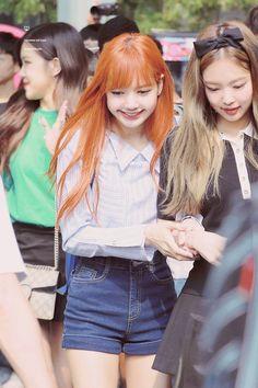 Lisa and Jennie♥♥♥