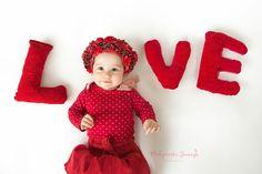 Valentines photo, www. Poland, Babe, Crochet Hats, Vogue, Photography, Fashion, Knitting Hats, Fotografie, Photograph