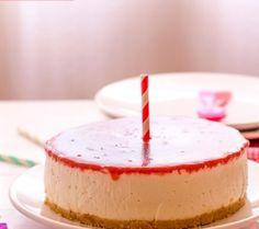 Tarta de cumpleaños de queso sin horno Birthday Candles, Cake Recipes, Deserts, Oven, Cook
