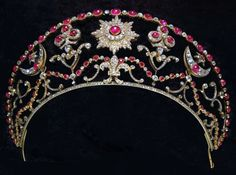 Milford Haven Bolin Tiara, belonged to Nadejda Mountbatten, Marchioness of Milford Haven nee Nadejda Mikhailovna, Countess of Torby -  Grand Duke Mikhail Romanov presented this crown to his bride Sophie Meklenberg, granddaughter of Alexander Pushkin