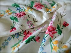 Check out this item in my Etsy shop https://www.etsy.com/uk/listing/477478311/stunning-hand-embroidered-vintage-floral