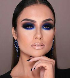 Gorgeous Makeup: Tips and Tricks With Eye Makeup and Eyeshadow – Makeup Design Ideas Glam Makeup, Blue Eye Makeup, Makeup Set, Eye Makeup Tips, Smokey Eye Makeup, Love Makeup, Simple Makeup, Beauty Makeup, Hair Makeup