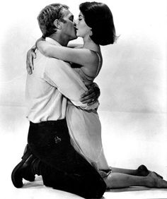 Steve McQueen & Natalie Wood from their 1963 film, Love With The Proper Stranger. Natalie Wood, Steve Mcqueen, The Kiss, Marlon Brando, Vintage Hollywood, Classic Hollywood, Robert Mulligan, Movie Kisses, Splendour In The Grass