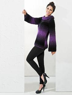 Blusa roxa e preta decote canoa Cisne Dual #trico #ModaInverno #CoatsCorrente