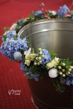 Decor pentru cristelniță – Flowers of Soul Baptism Decorations, Table Decorations, Candles, Flowers, Home Decor, Bebe, Homemade Home Decor, Christening Decorations, Royal Icing Flowers