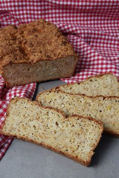 Keto Brot mit körnigem Frischkäse So today there is the best keto bread with granular cream cheese a Homemade Chocolate Chip Cookies, Chocolate Crunch, New Recipes, Low Carb Recipes, Cheesecake Recipes, Dessert Recipes, Different Cakes, Indian Desserts, Evening Meals