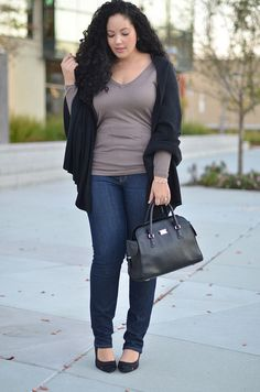 Great street style for curvy girls Plus oversize cardigan over top with jeans