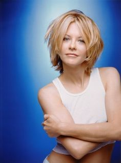 Meg Ryan set the trend years ago for short layered hairstyles. See her many different styles, including a longer version of the Meg Ryan Hairstyles. Meg Ryan Haircuts, Meg Ryan Hairstyles, Hairstyles Haircuts, Layered Hairstyles, Short Hair With Layers, Short Hair Cuts, Short Hair Styles, Peinados Meg Ryan, Meg Ryan Photos