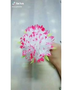 Paper Crafts Origami, Tissue Paper Flowers, Easy Paper Crafts, Fun Crafts, Origami Art, Origami Flower, Diy Crafts For Home Decor, Diy Crafts Hacks, Diy Arts And Crafts