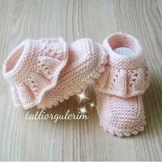 Baby Knitting Patterns Knitting For Kids Knitting Designs Crochet For Kids Crochet Baby Booties Layette Baby Wearing Baby Dress Fethiye Baby Clothes Patterns, Baby Knitting Patterns, Knitting Designs, Baby Patterns, Knitting For Kids, Crochet For Kids, Hand Knitting, Crochet Baby Boots, Knit Baby Booties